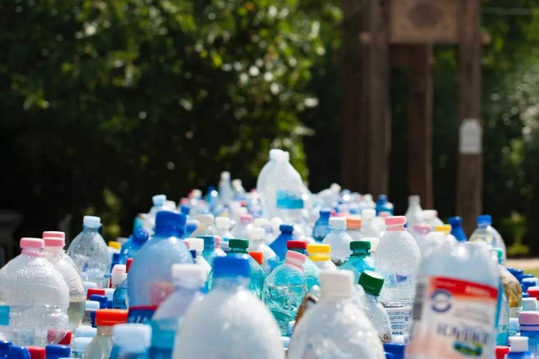 吓人!欧洲国家即将全面禁止一次性塑料制品,中国人还在吃! 意国新闻 第5张