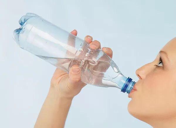 吓人!欧洲国家即将全面禁止一次性塑料制品,中国人还在吃! 意国新闻 第15张