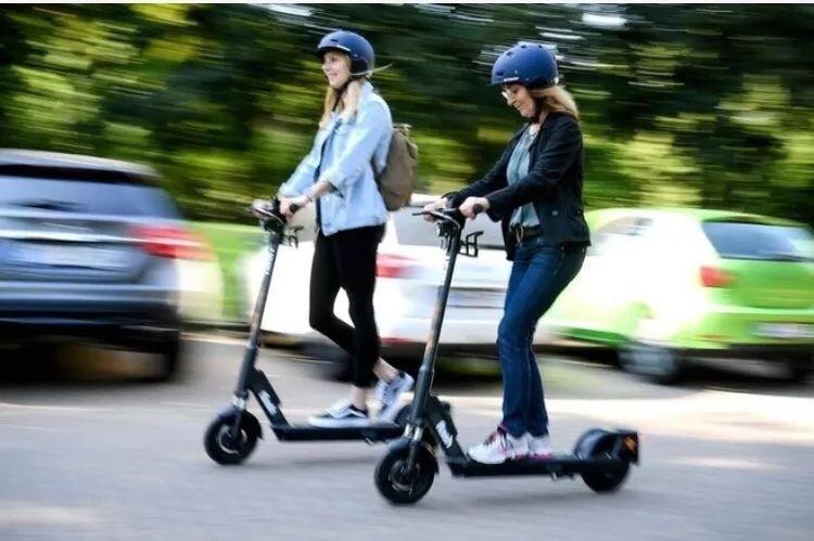 意大利骑滑板车都要驾照了!?违反规定将面临最高6000欧罚款 意国新闻 第2张