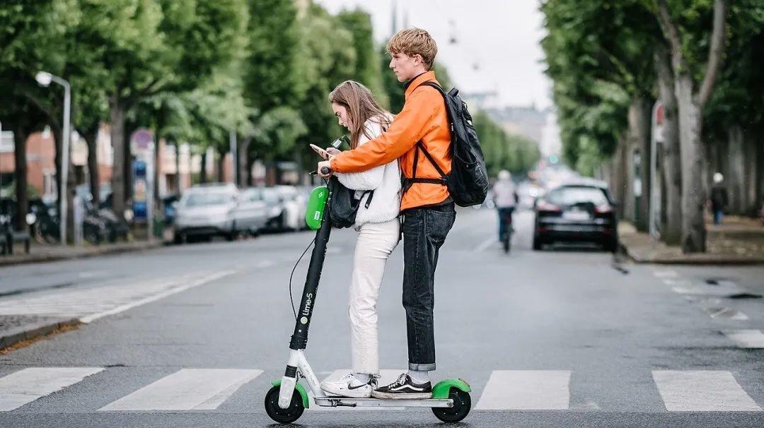 意大利骑滑板车都要驾照了!?违反规定将面临最高6000欧罚款 意国新闻 第4张